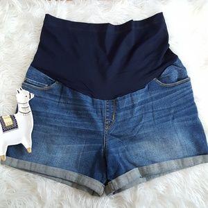 Liz Lange maternity midi shorts size large